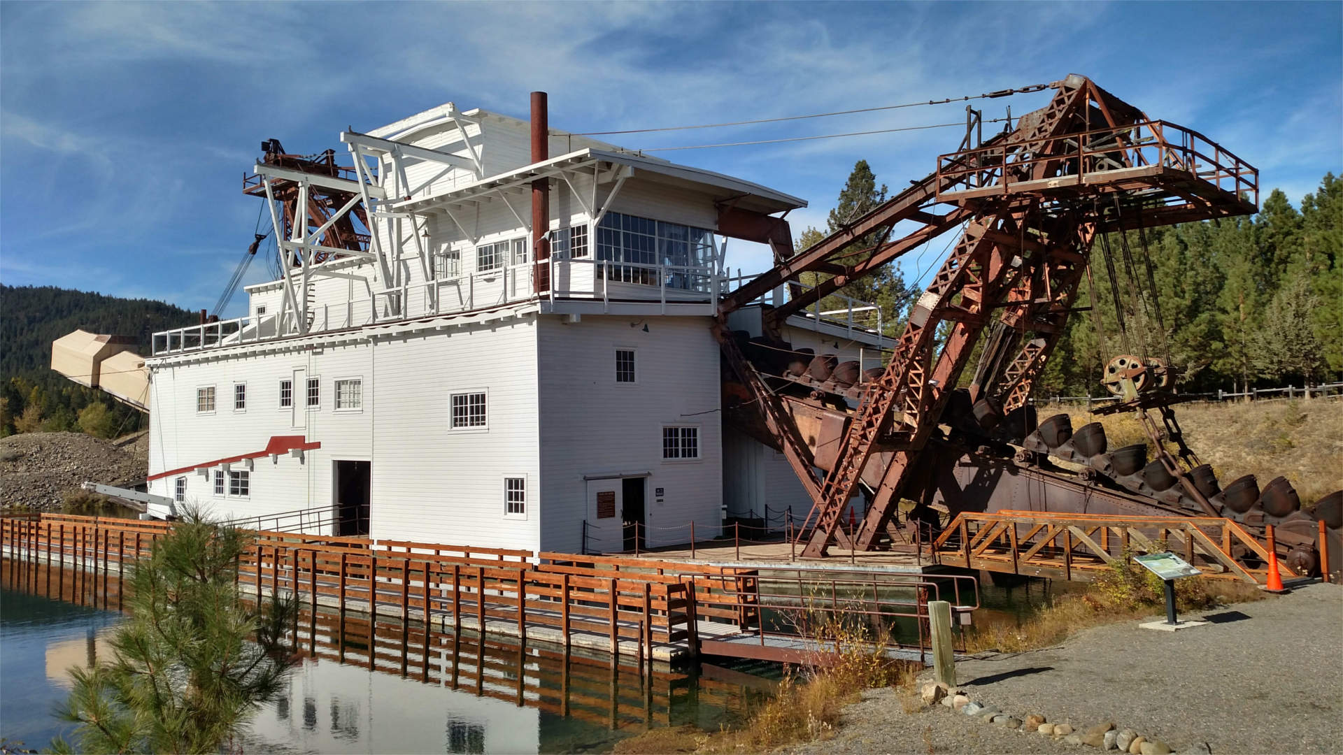 Visit Sumpter Oregon: Sumpter Valley Dredge, Mining History, & Mountains